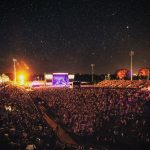 starry night over Blake Shelton at Shaky Boots